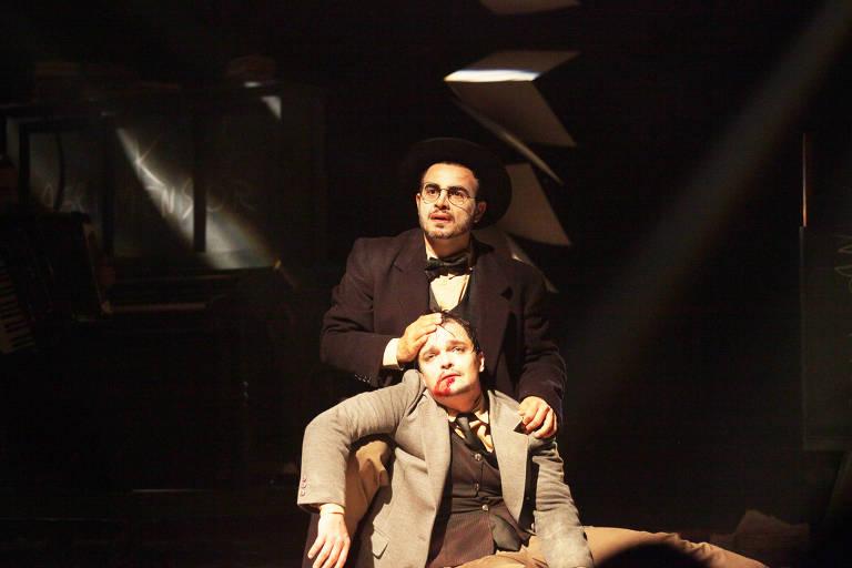 Anderson Di Rizzi e Mauricio Machado em 'Um Beijo em Franz Kafka'