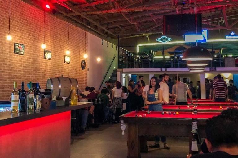 Ambiente do bar Ball Five