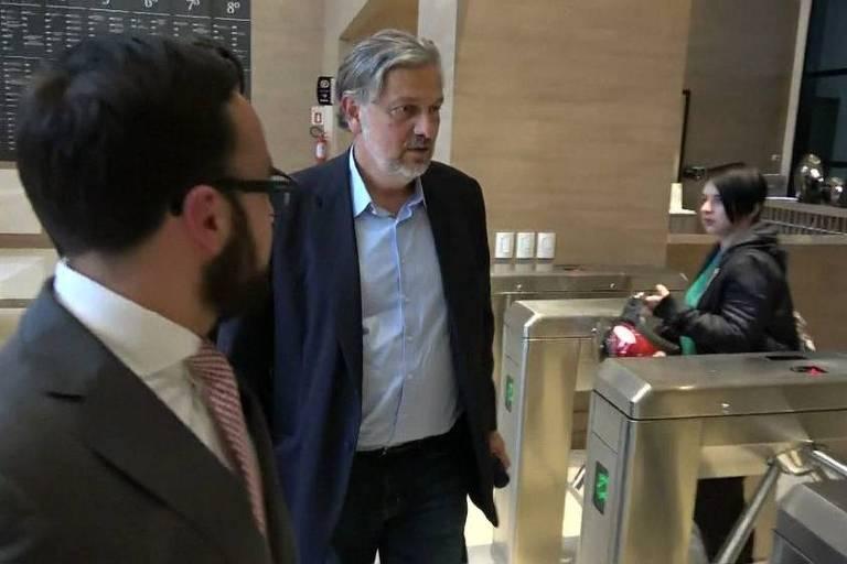 O ex-ministro Antonio Palocci ao chegar à Justiça Federal em Curitiba, nesta quinta-feira (29). Foto: Reprodução/TV Globo