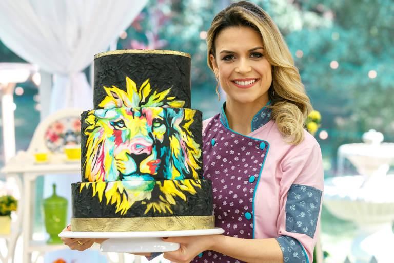 bolo com leão aquarelado