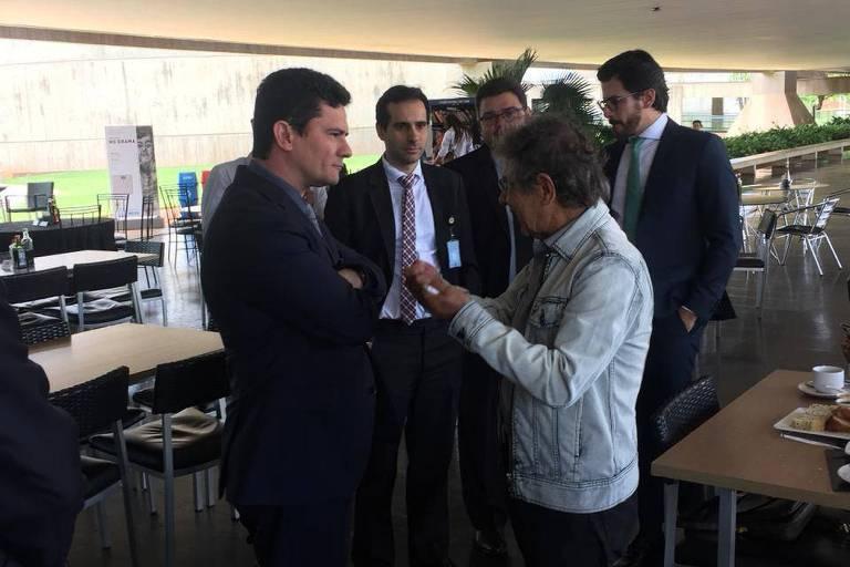 Futuro ministro da Justiça, Sérgio Moro, se encontra com ex-ministro do STF Carlos Ayres Britto em Brasília