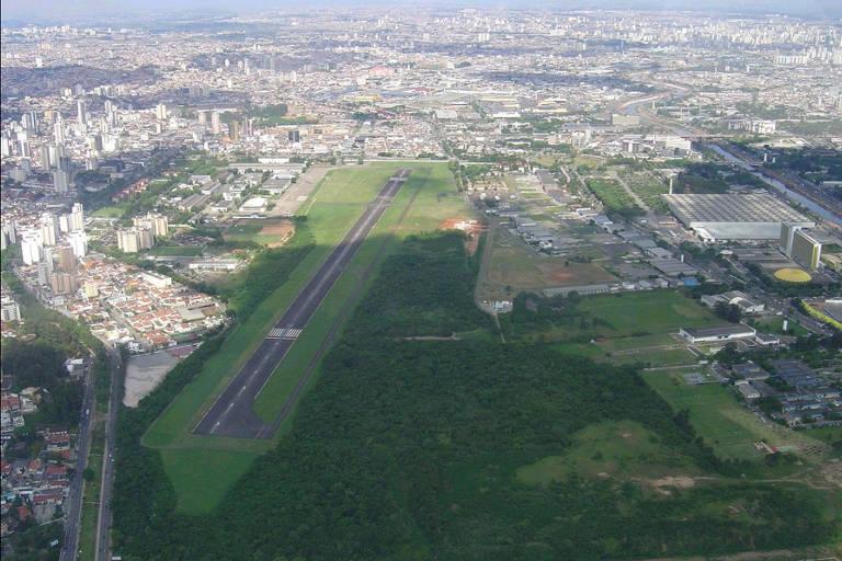 Imagem do aeroporto Campo de Marte, na zona norte de São Paulo