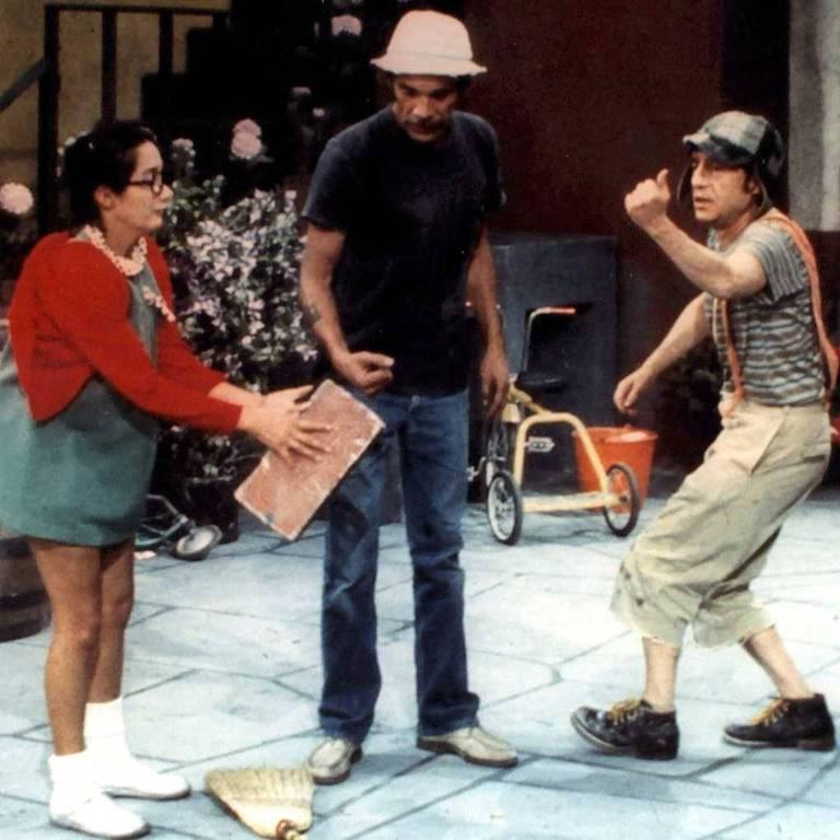 María Antonieta de las Nieves (Chiquinha), Ramón Valdés (Seu Madruga) e Roberto Bolaños (Chaves) em cena de Chaves