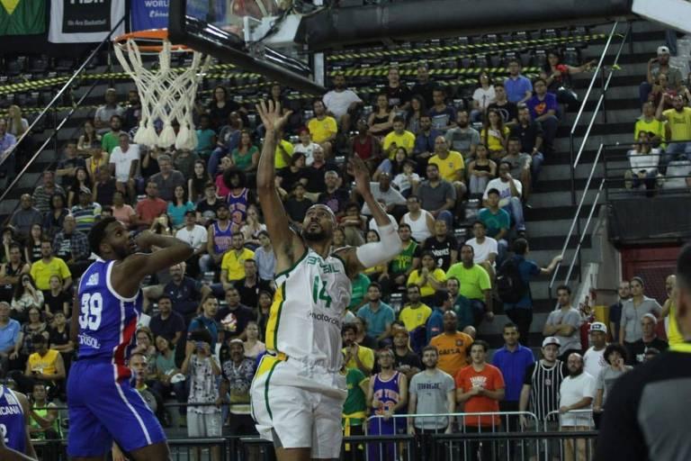 Marquinhos na vitória contra a República Dominicana na sexta (30)