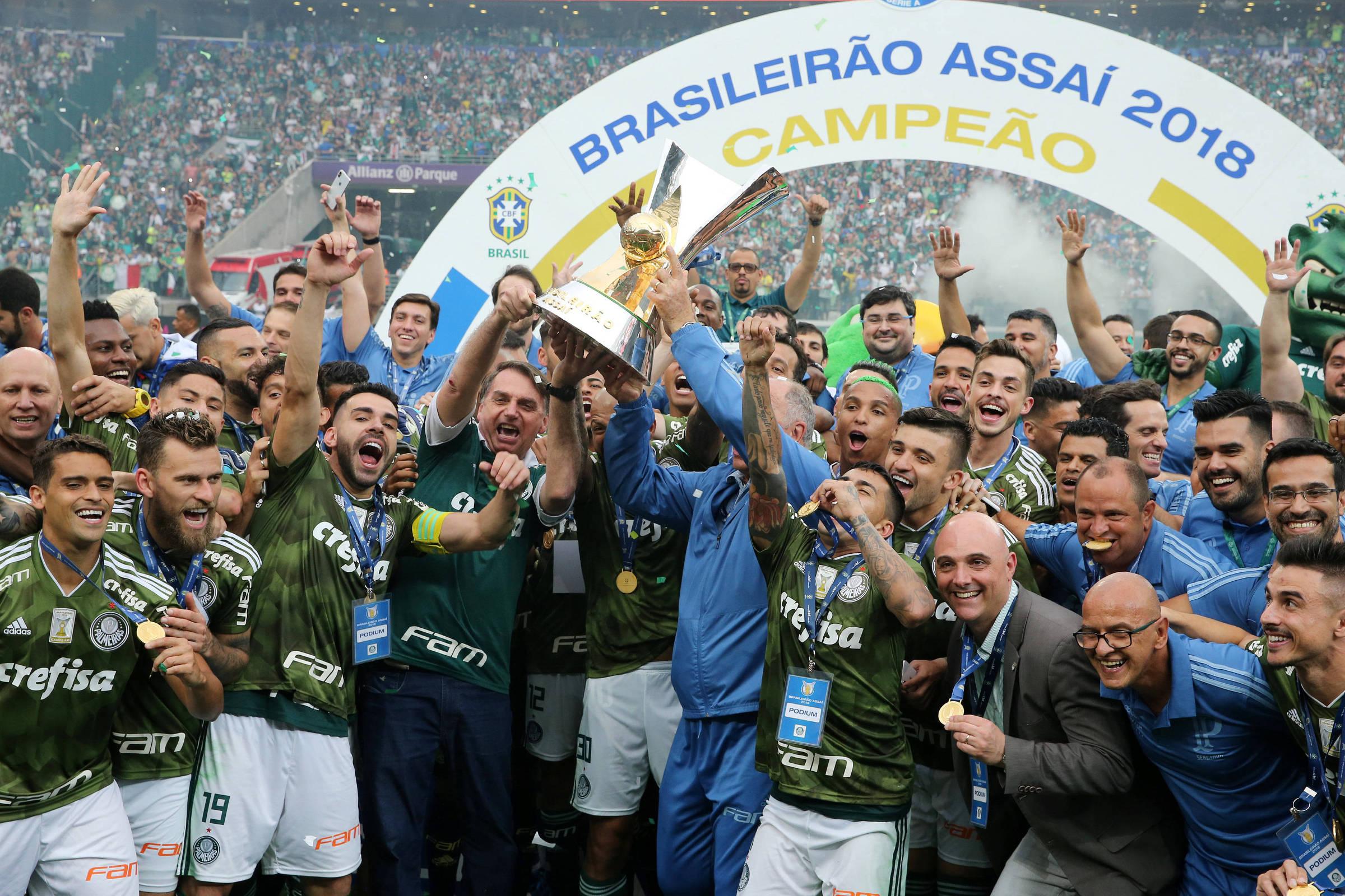 Palmeiras amplia marcas em festa com torcida e Bolsonaro - 02 12 2018 -  Esporte - Folha 0f7022356aff4