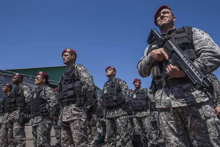 Agentes da Força Nacional reforçaram a segurança no sistema prisional de Roraima em 2017