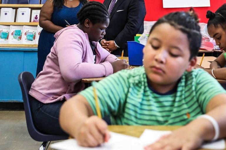 A escola Pública 161 no Harlem, em Nova York, onde 95% dos alunos são negros ou latinos