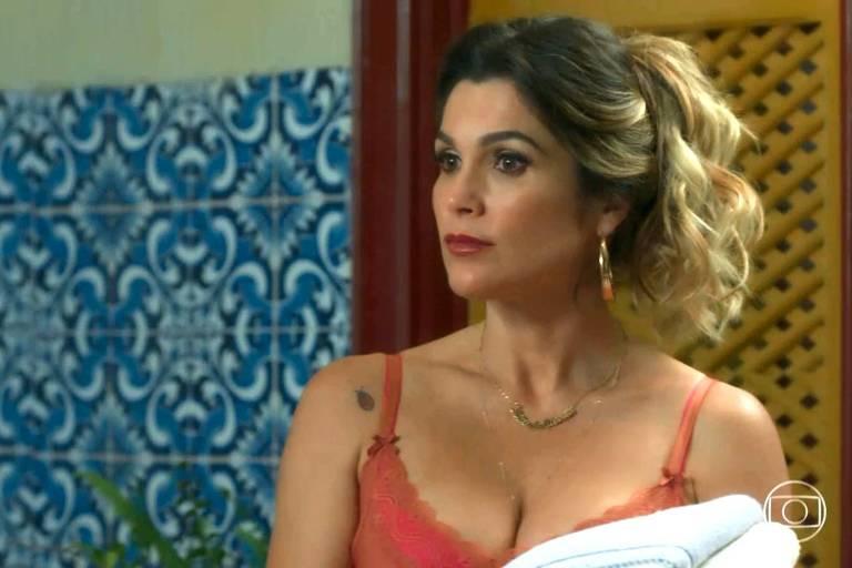 Rita de Cássia (Flávia Alessandra) confronta o marido Joubert Machado (Milhem Cortaz)