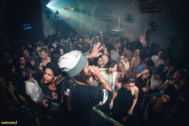 A festa do coletivo carioca Heavy Baile