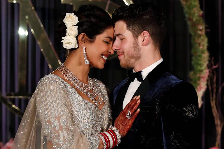 A atriz Priyanka Chopra e o cantor Nick Jonas celebram casamento com festa em Nova Déli