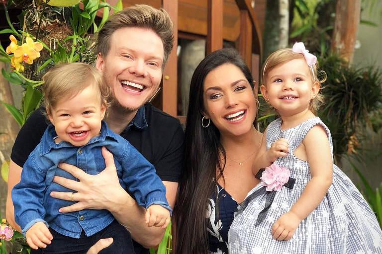 Melinda e Teodoro, filhos de Thais Fersoza e Michel Teló foram eleitos os bebês mais fofos