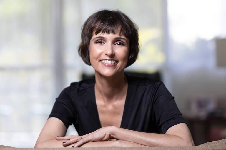 """A jornalista Heloisa Fischer, autora do livro """"Clareza em Textos de e-gov, Uma Questão de Cidadania"""""""
