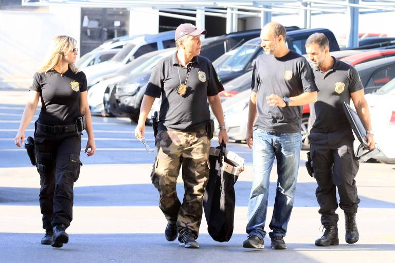 Movimentação na sede da Polícia Federal, no Rio de Janeiro (RJ), durante a 57ª fase da Operação Lava Jato, deflagrada na manhã desta quarta-feira (5)