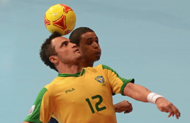 Falcão se aposenta do futsal