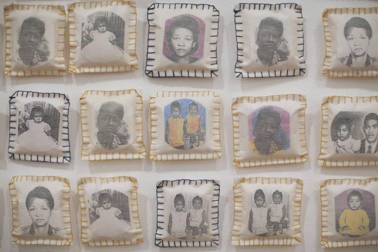 Detalhe da obra 'Parede da Memória', da artista Rosana Paulino