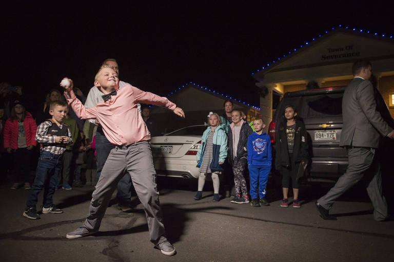 Menino de 9 anos lidera campanha para legalizar guerra de bola de neve em cidade dos EUA