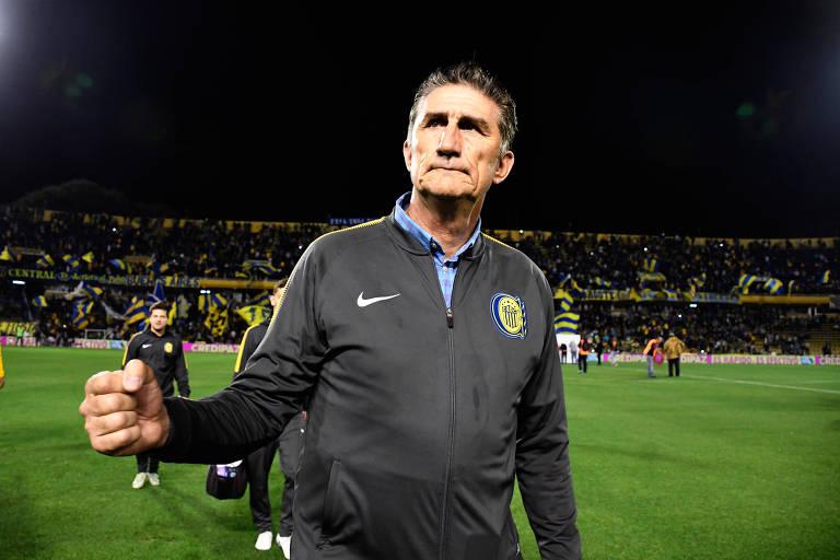Edgardo Bauza voltou neste ano ao Rosario Central, onde começou as carreiras como jogador e técnico