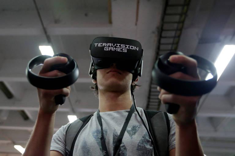 Equipamento de jogo com realidade virtual