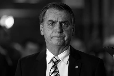 Bolsonaro queima a largada