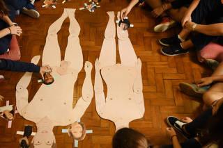 Aula de orientação sexual no 9º ano da escola Beatíssima Virgem Maria