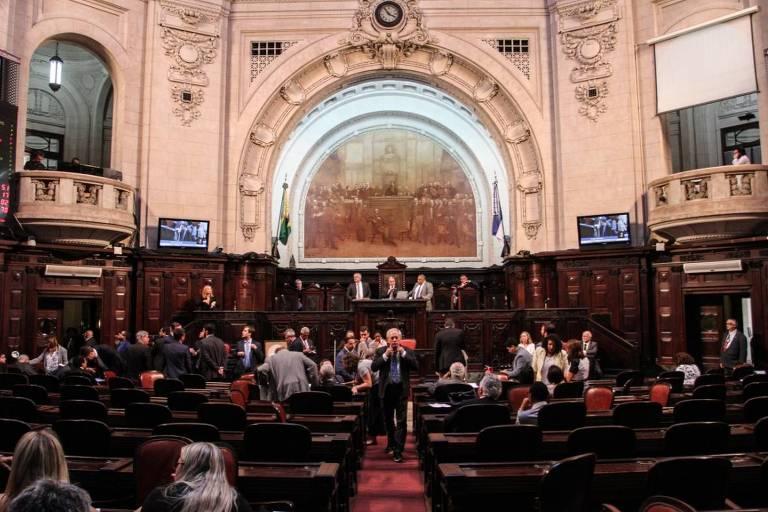 Plenário da Assembleia do Rio em sessão na quarta-feira (5)