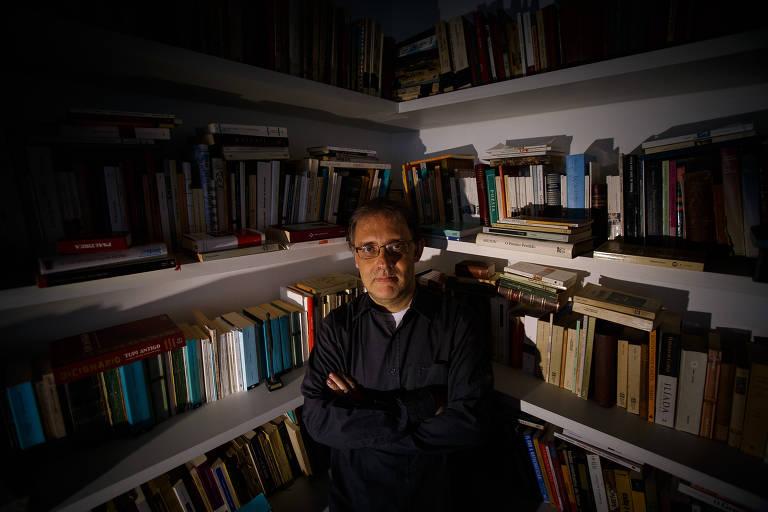 O escritor Marco Lucchesi, reeleito presidente da ABL