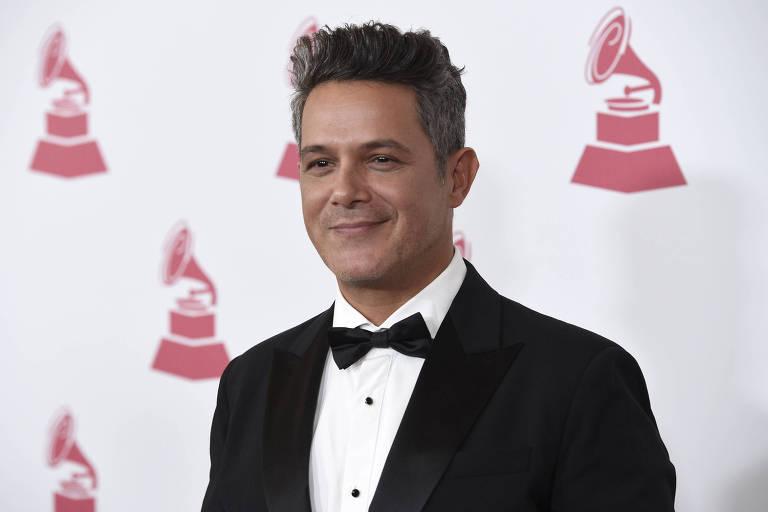 Alejandro Sanz recebe Grammy de Personalidade do Ano em 2017