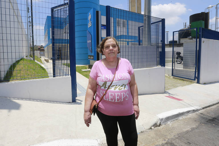 Ana Lúcia Alves na UBS Vila Ema, que foi inaugurada em 28 de novembro, mas não está marcando consultas