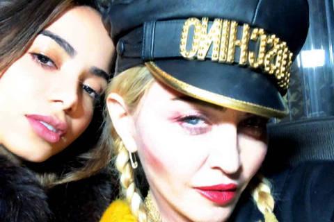 Anitta posou ao lado da estrela pop Madonna nesta manhã de sexta-feira (7)