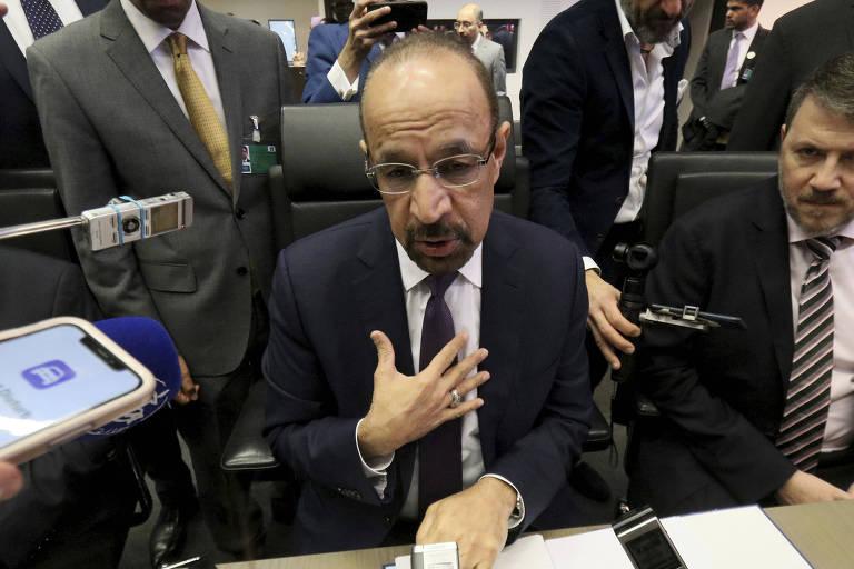 Opep fecha acordo para reduzir produção de petróleo em 1,2 milhão de barris ao dia