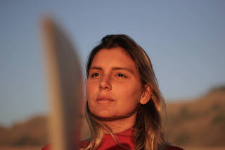Maya Gabeira em Nazaré (Portugal)