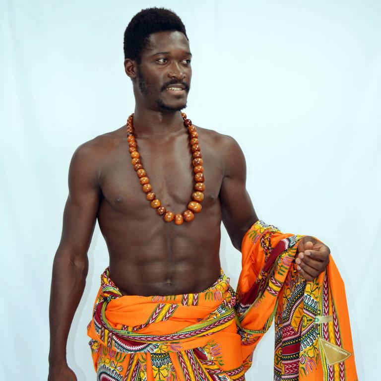 O professor e ator Vensam Iala, 29, de Guiné Bissau