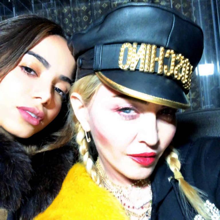 Anitta posou ao lado da estrela pop Madonna