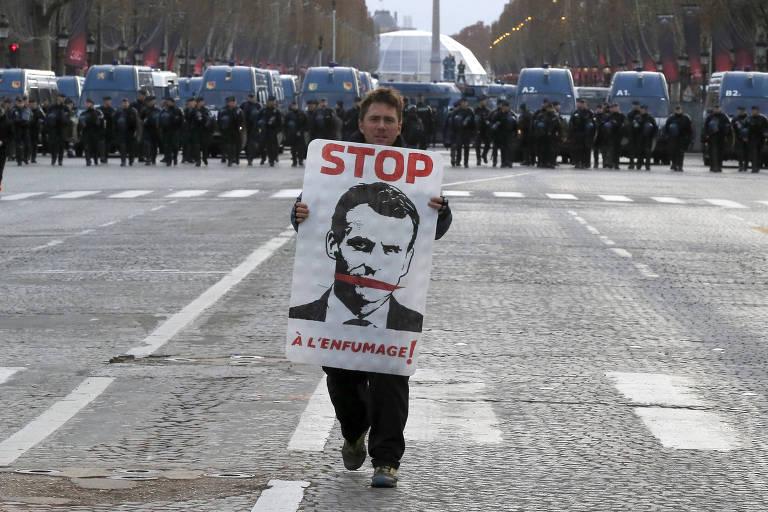'Coletes amarelos' protestam na França