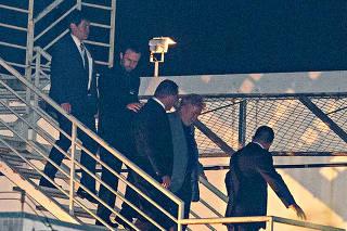 O ex-presidente Lula chega a superintendÍncia da Policia Federal de Curitiba