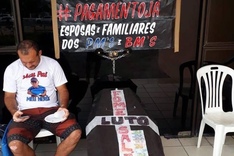 Parentes de militares bloqueiam quartéis em Roraima em protesto contra salários atrasados