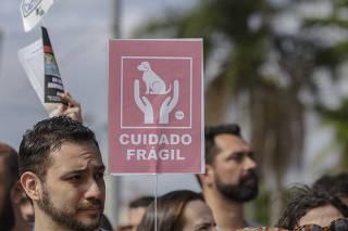 PROTESTO PELA MORTE DO CACHORRO NO CARREFOUR EM OSASCO