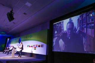 O escritor e jornalista Olavo de Carvalho durante participação por meio de videoconferência no encontro da Cúpula Conservadora das Américas em Foz do Iguaçu (PR)