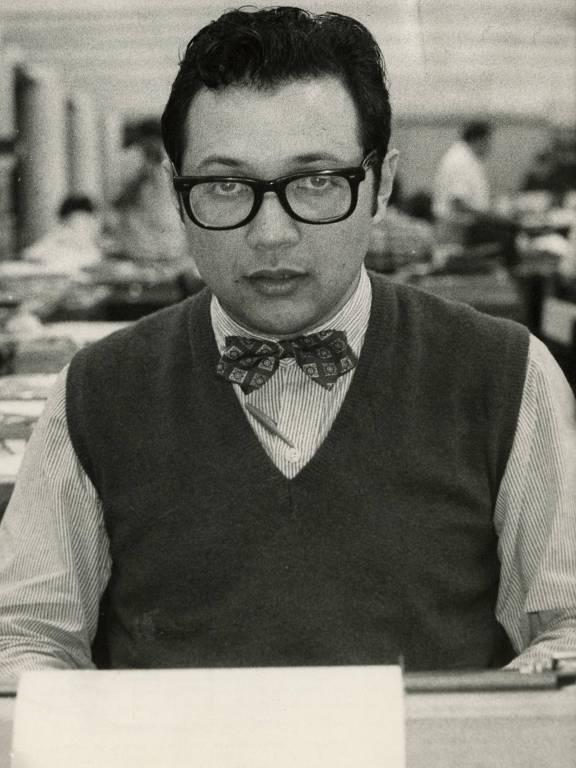 O elegante Matinas Suzuki Jr. enverga uma gravata borboleta, em 1986