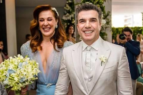 Claudia Raia e Jarbas Homem de Mello se casam