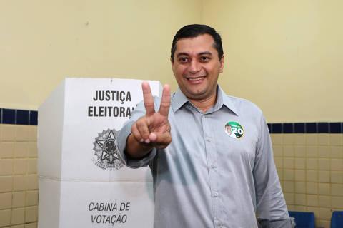 MANAUS,AM,28.10.2018:ELEIÇÕES-VOTO-WILSON-LIMA - Candidato à Governador do Amazonas, Wilson Lima (PSC) vota na Escola Estadual Sant'Ana, em Manaus (AM), na manhã deste domingo (28), no segundo turno das Eleições 2018. O jornalista estreante na política lidera com larga vantagem todas as pesquisas de intenção de voto para Governo do Amazonas. (Foto: Edmar Barros/Futura Press/Folhapress) ***PARCEIRO FOLHAPRESS - FOTO COM CUSTO EXTRA E CRÉDITOS OBRIGATÓRIOS***
