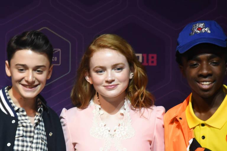 "Noah Schnapp, Sadie Sink e Caleb Mclaughlin, atores da série ""Stranger Things"", na CCXP 2018"