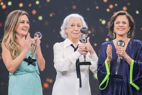 Melhores do Ano 2018 PERSONAGEM DO ANO Adriana Esteves Fernanda Montenegro Marieta Severo