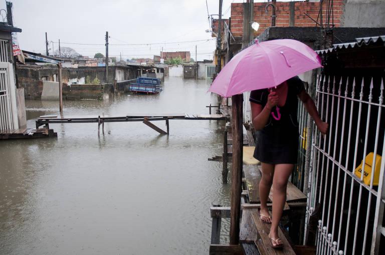 Enchentes na Vila Itaim (SP)
