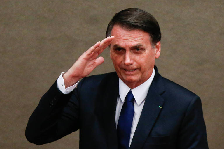As continências de Bolsonaro