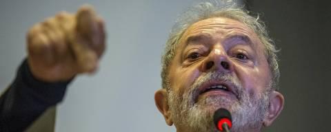COTIDIANO -  O ex Presidente Lula participa  do Encontro Internacional Parlamentar no Forum Social Mundial, em Salvador.  15/03/2018. Foto: Marlene Bergamo/FolhaPress - 017 - ORG XMIT: AGEN1803151506698817