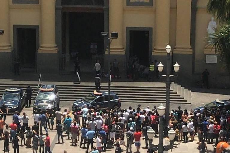 Catedral Metropolitana de Campinas é cercada após ataque com mortos nesta terça (11)