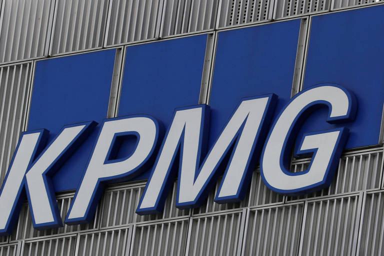 Após polêmica entre funcionários e presidente da KPMG britânica, empresa altera hierarquia