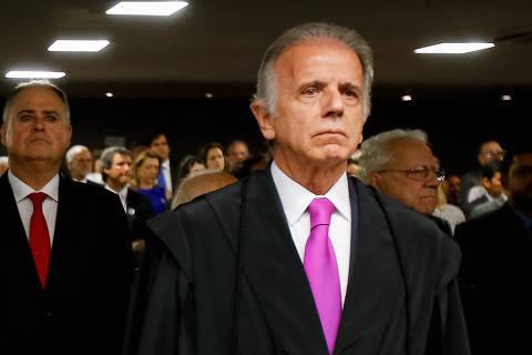 Em posse com Moro, novo presidente do TCU agradece a Lula e é aplaudido