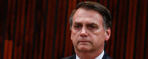 BRASILIA, DF, BRASIL, 10-12-2018, 16h30: Na sua diplomação o presidente eleito, Jair Bolsonaro, se emociona e chora durante a execução do hino nacional. Foto: Walterson Rosa/Folhapress, PODER)